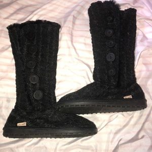 """Shoes - NEW! Fuzzy """"Sock like"""" 